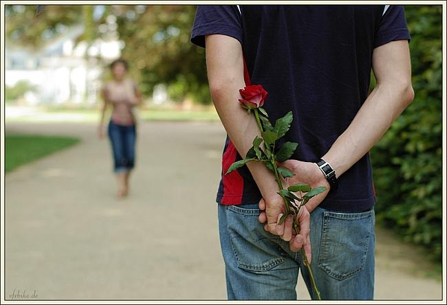 На первое свидание цветы