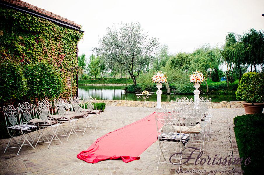 Дорожка из цветов на свадьбу