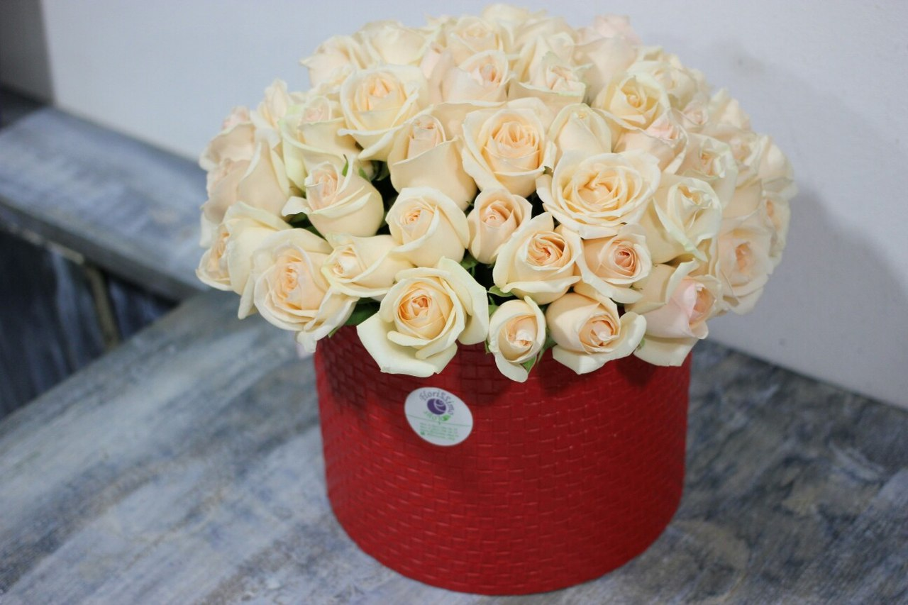 http://www.florissimo-shop.ru/Image/shlyapa1.jpg